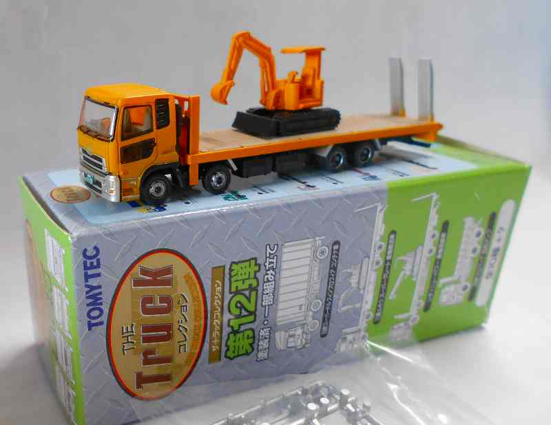 重機運搬車(油圧ショベル) UDトラックス クオン 1/150